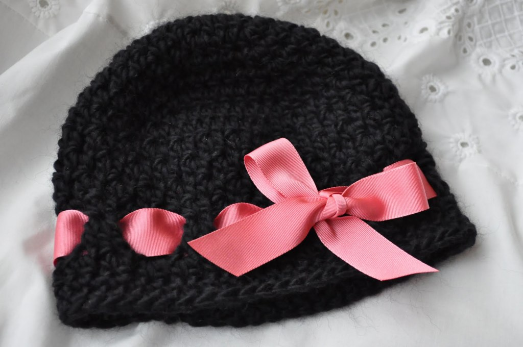 hat with ribbon2