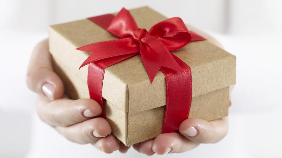 What to Think About When Buying a Gift in Canada