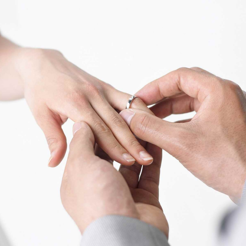 Choosing wedding bands together